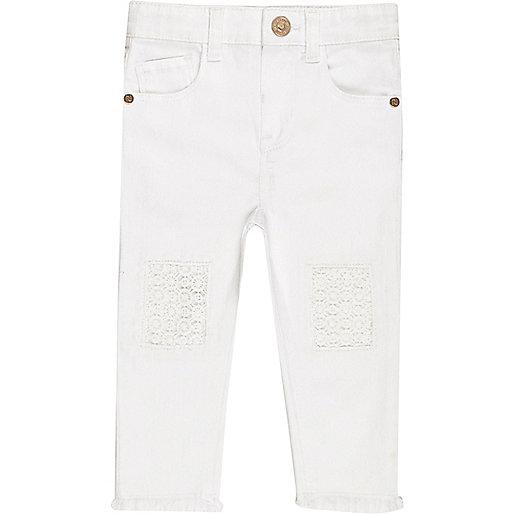Weiße Häkeljeans