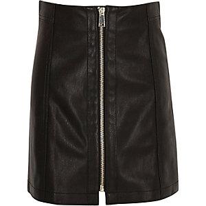 Schwarzer Minirock im Leder-Look mit Reißverschluss