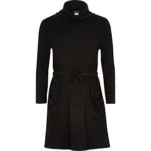 Robe grise douce à col bénitier pour fille