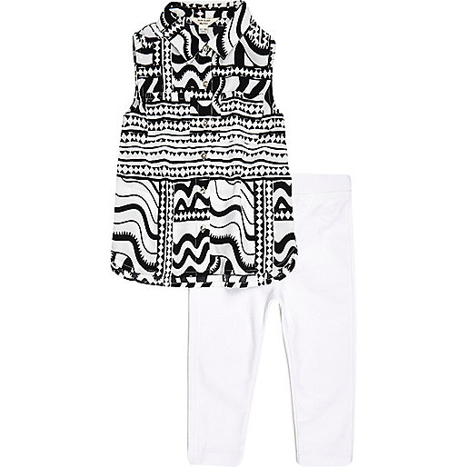 Mini girls white top and leggings outfit