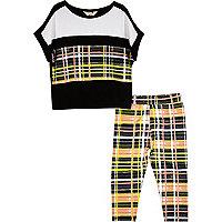 Mini girls black checked leggings outfit
