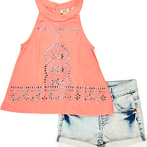 Mini girls coral denim shorts outfit