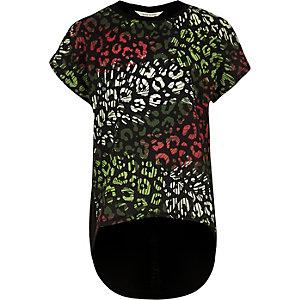 Schwarzes Lagen-T-Shirt mit Leopardenmuster