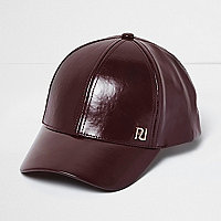 Girls berry patent cap