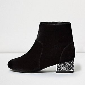 Girls black velvet embellished heel boots