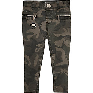 Mini girls green camo zip skinny jeans
