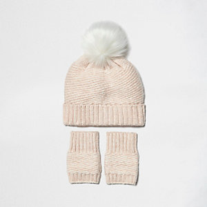 Mini girls pink bobble hat and handwarmers