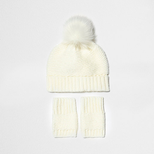 Mini girls cream bobble hat and handwarmers