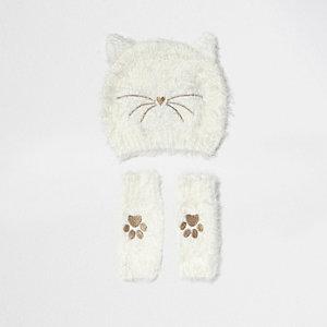 Flauschige Mütze und Handwärmer im Katzendesign in Creme