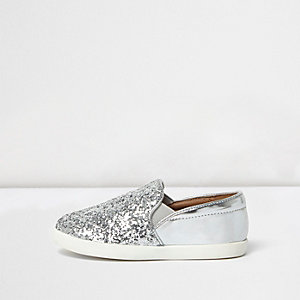 Mini girls silver glitter plimsolls