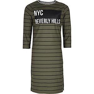 Kleid in Khaki mit Streifen