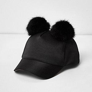 Casquette en satin noir à pompon pour mini fille