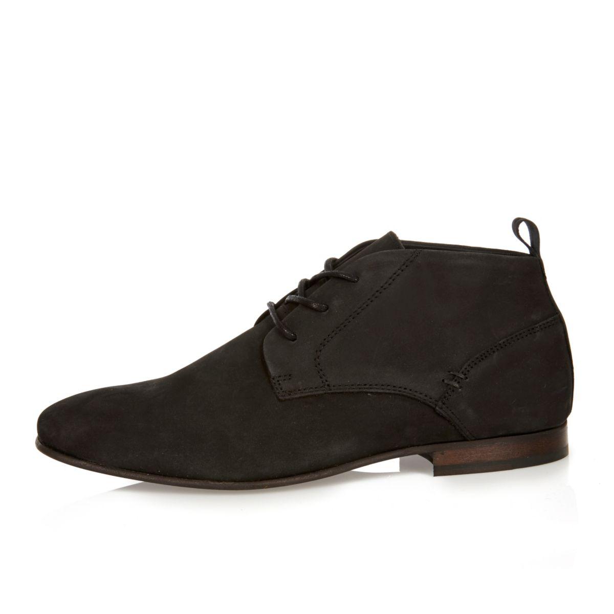 Schwarze Chukka-Stiefel aus Wildleder