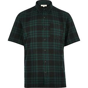 Chemise en sergé à carreaux verte à manches courtes