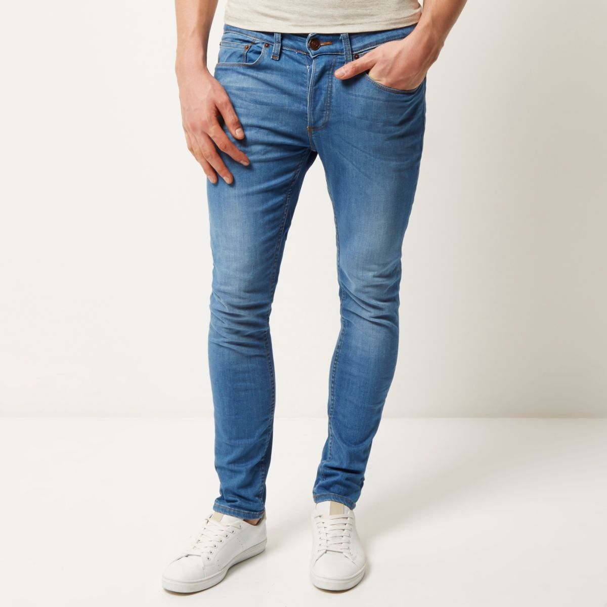 Hello SkinnyJeans® are made from classic denim but with a high nylon/elastane content. This denim is made exclusively for SkinnyJeans®.