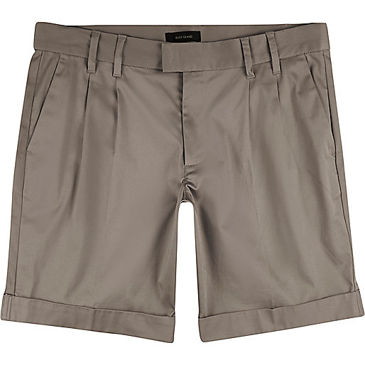 Light brown sateen slim fit bermuda shorts