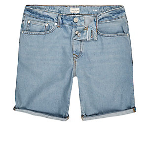 Hellblaue Slim Fit Jeansshorts