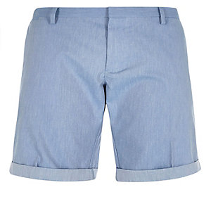 Blaue Slim-Fit-Bermudashorts mit Gürtel