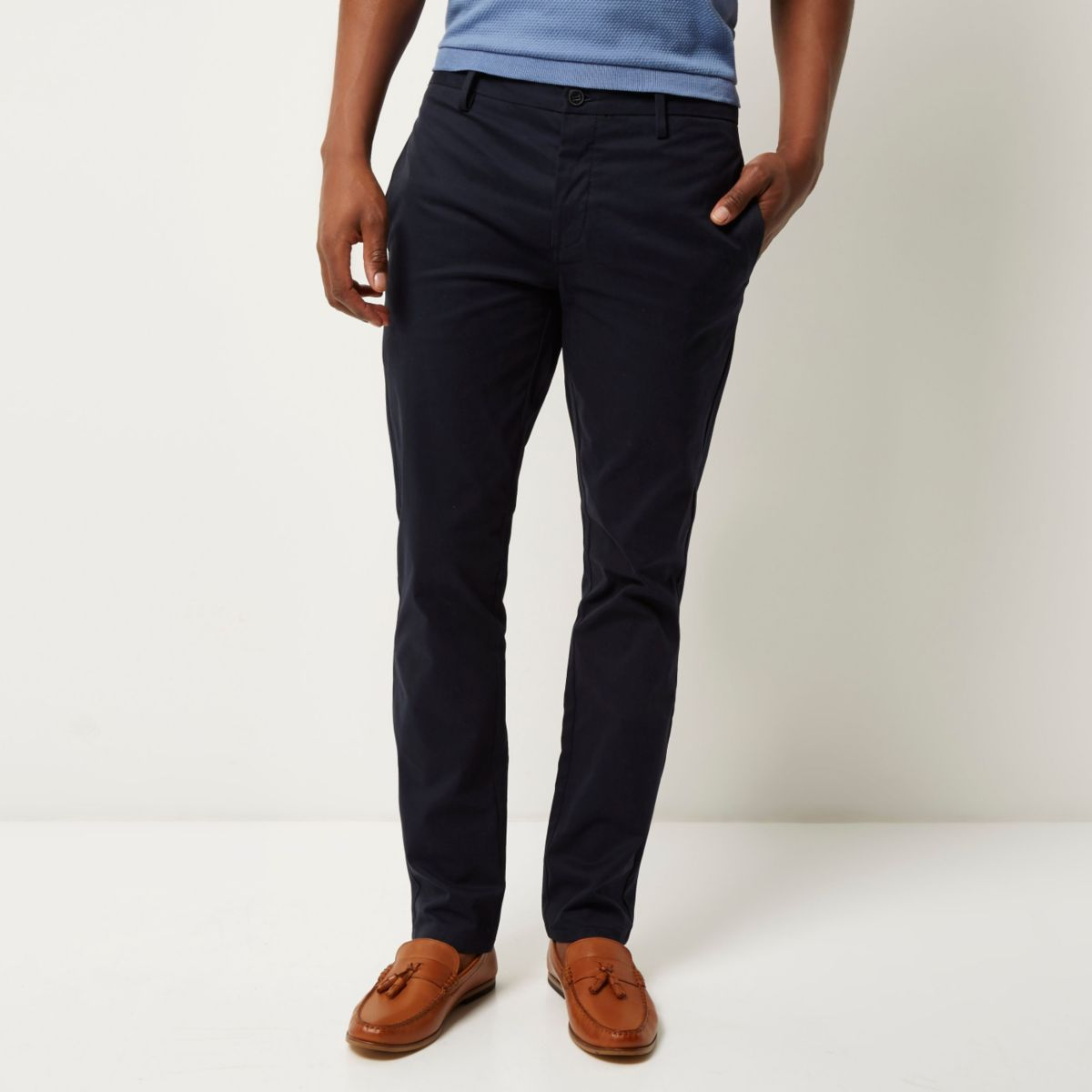 pantalon chino bleu marine stretch slim bureau soldes. Black Bedroom Furniture Sets. Home Design Ideas