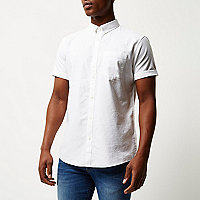 White casual short sleeve Oxford shirt