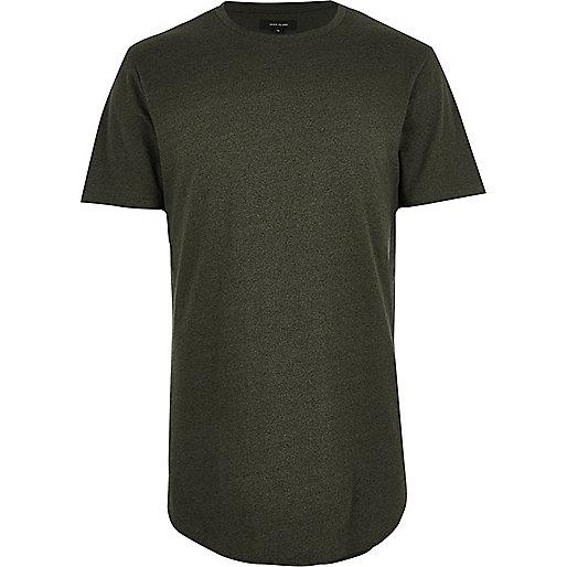 Langes, dunkelgrünes T-Shirt mit abgerundetem Saum