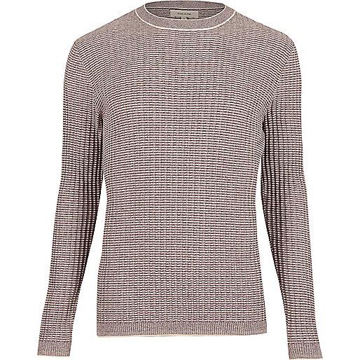 Gerippter, schmaler Pullover mit Rundhalsausschnitt in Lila