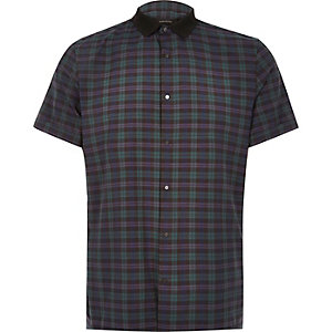 Chemise à carreaux verte contrastée cintrée