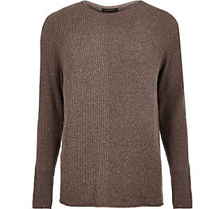 Brauner Pullover in Blockfarben
