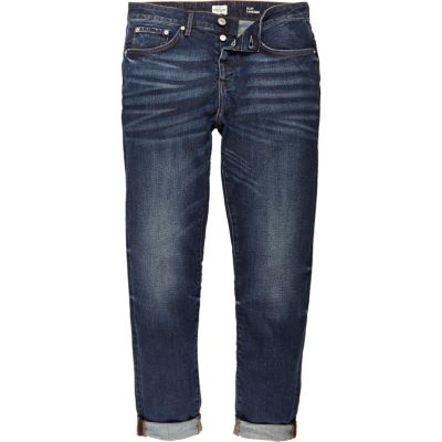 Jimmy dark blue wash smalle jeans met smaltoelopende pijpen