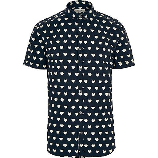 Chemise à imprimé cœur bleu marine et manches courtes