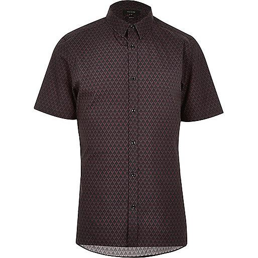 Schwarzes, schmales Hemd mit geometrischem Muster