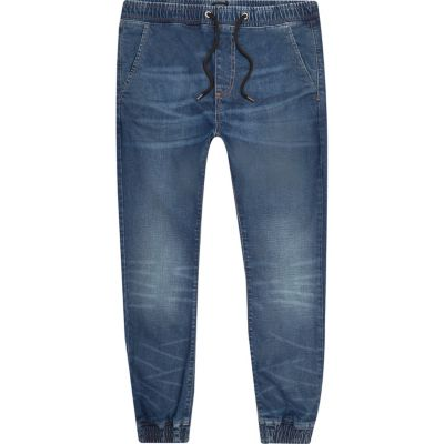 Ryan Joggingjeans met middenblauwe wash