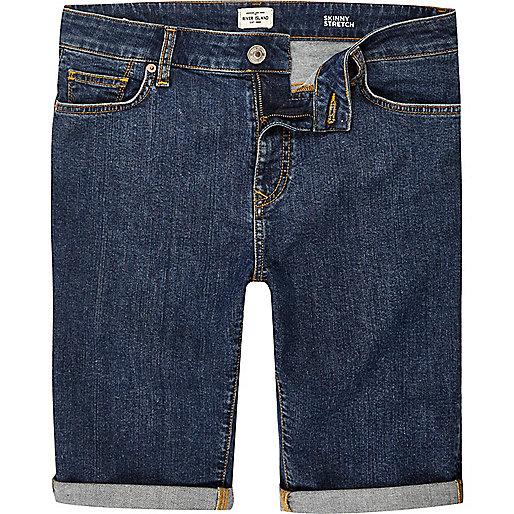 Skinny Jeansshorts in dunkelblauer Waschung