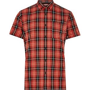 Chemise Oxford à carreaux rouges et manches courtes