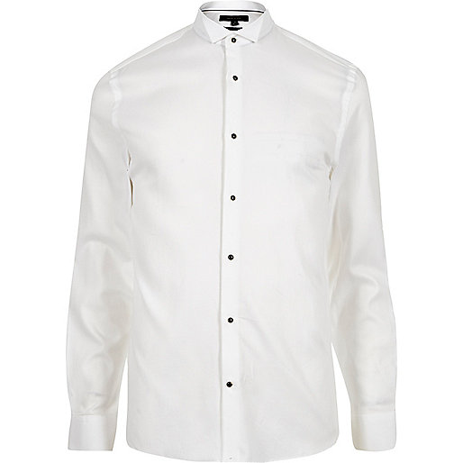 Chemise en coton blanche texturée cintrée habillée