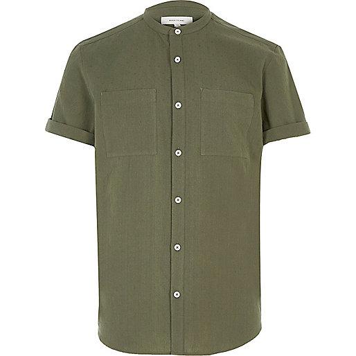 Grünes, strukturiertes Grandad-Hemd