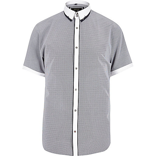 Marineblaues, schmales Hemd