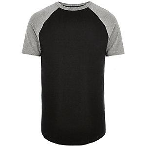 T-shirt noir ajusté à manches raglan