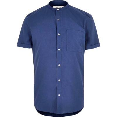Donkerblauw overhemd met korte mouwen zonder kraag