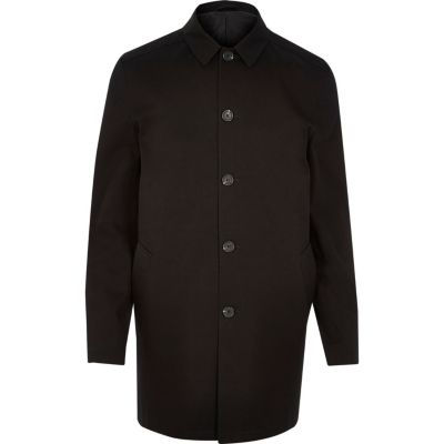 Zwarte minimalistische waterbestendige trenchcoat
