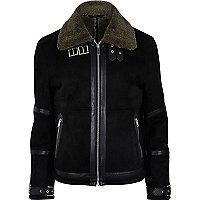 Schwarze Jacke mit Lammfellfutter