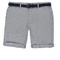 Blaue Bermuda-Shorts mit Hahnentritt-Muster und Gürtel