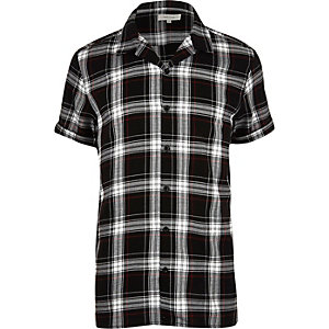 Black grunge check short sleeve shirt