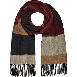 Bruine sjaal met blokken en geometrisch motief