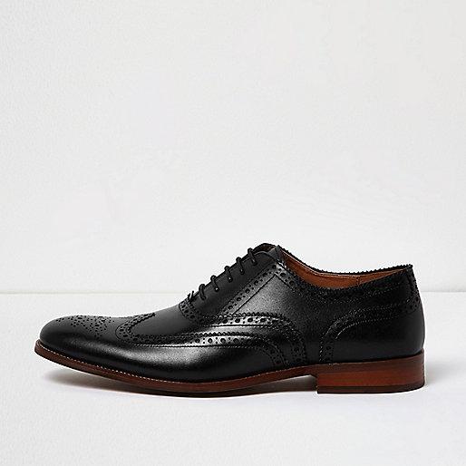 Richelieus en cuir noir