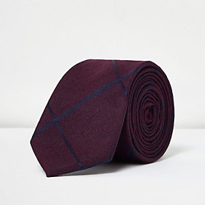 Red window check print tie