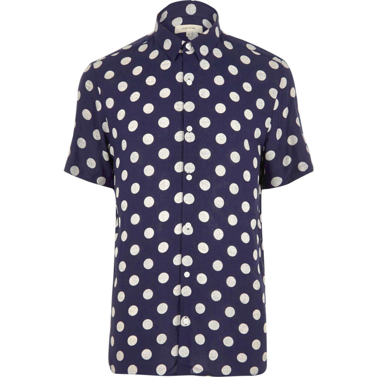Chemise à pois bleu marine à manches courtes