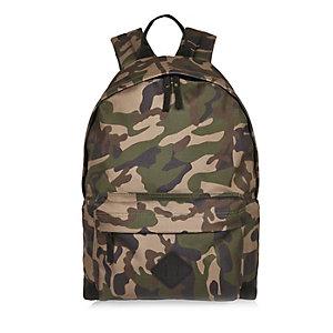 Grüner Rucksack mit Camouflage-Muster