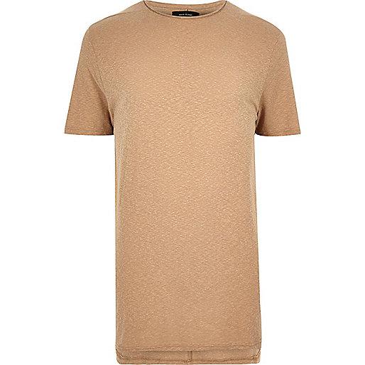 Langes T-Shirt im Camel mit Rundhalsausschnitt