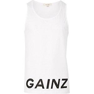 White hem 'Gainz' print vest